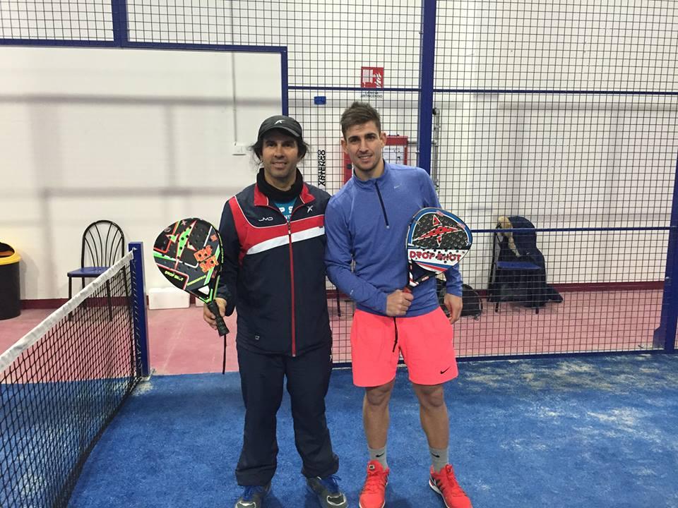 Allenamento del Campione da Beach Tennis , Luca Cramarossa,prima volta giocando Padel